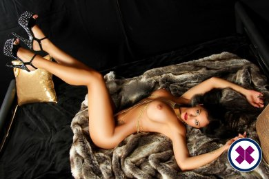 Meet Vicky in  right now!