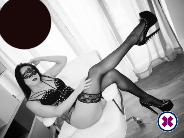 Mistress Poshtotti  is a high class English Escort Hammersmith and Fulham