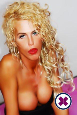 Lena Fox TS ist eine heiße und geile English Escort aus Brighton