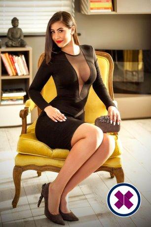 Alina is een super sexy Moldavian Escort in Bromley
