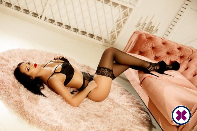 Lady Cleo Noir is a super sexy Greek Escort in Düsseldorf