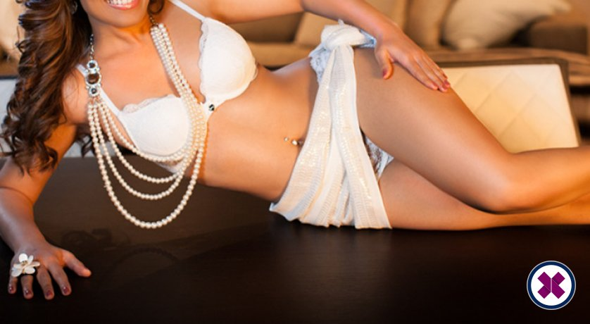 Aliza is a high class Indian Escort Westminster
