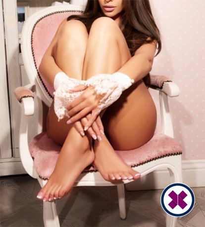Alma is a very popular English Escort in Westminster